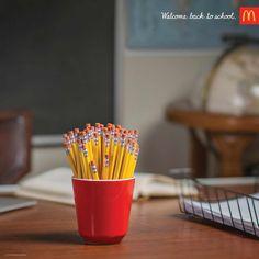 Case: New term マクドナルドがアメリカで実施したプリント広告をご紹介。  9月というアメリカで新学期が始まるタイミングに合わせて、学生をターゲットにして作られたクリエイティブです。
