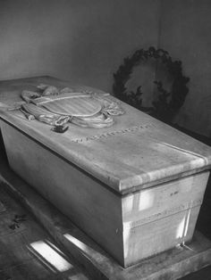 George Washington's Tomb at Mount Vernon, Marble Sarcophagus Bearing Adaptation of Great Seal of US