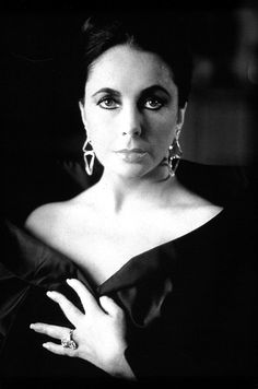 Elizabeth Taylor photographed by Herb Ritts.