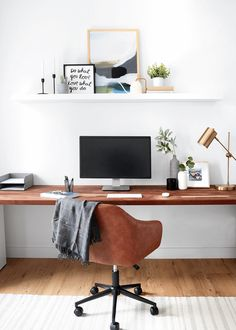 Come on over for a tour to see the Pinch of Yum Office reveal. Four offices, uniquiely design on a budget. Cool Office Space, Office Space Design, Office Designs, Design Offices, Modern Offices, Cozy Home Office, Home Office Setup, Bedroom With Office, Office Inspo