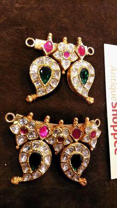 Emerald Jewelry, Beaded Jewelry, Silver Jewelry, Gold Mangalsutra Designs, Gold Jewellery Design, Kalamkari Tops, Trendy Jewelry, Fashion Jewelry, India Jewelry