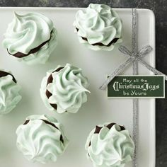 Mint Meringue Kisses, filled with melty smooth chocolate. More mint holiday recipes: http://www.midwestliving.com/holidays/christmas/holiday-mint-recipes/page/6/0