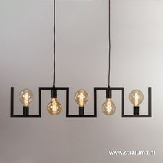 Metalen eettafel hanglamp zwart frame www straluma nl LampEettafel - All For Decoration Pipe Lighting, Chandelier Lighting, Interior Lighting, Lighting Design, Custom Lighting, Ceiling Light Design, Ceiling Lights, Lampe Decoration, Cheap Wall Decor