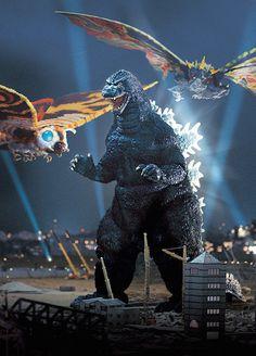 Mothra and Battra vs Godzilla Godzilla 1995, King Kong Vs Godzilla, Godzilla Toys, Dinosaur Art, Classic Monsters, Cultura Pop, The Villain, Fantastic Beasts, Mythical Creatures