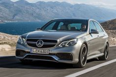 Mercedes vind ik hele mooie auto's en ze interesseren me. Dit is mijn favoriete auto.