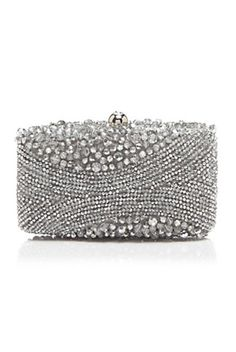 19 Perfect Clutches for Prom