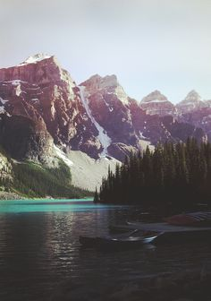 I love the snow on the mountains, and the pretty blue water! <3
