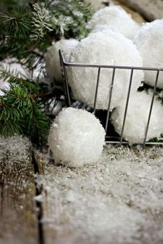 DIY Snowballs : In Texas we don't get to experience too much snow, so I loved these decorative handmade snowballs and thought it would make a fun DIY post! No matter where you live, these snowballs will make a fun and whimsical addition. After Christmas, Noel Christmas, All Things Christmas, Christmas Ideas, Diy Adornos, Navidad Diy, Magnolia Homes, Magnolia Farms, Magnolia Market