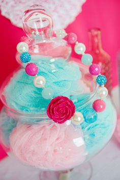 We Heart Parties | Loofahs in a vase at a spa party
