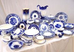 Google Image Result for http://www.treasurenet.com/forums/attachments/what/263815d1332398858-old-dinnerware-lots_of_blue_dishes.jpg