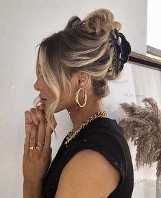 Hair Day, Your Hair, Hair Inspo, Hair Inspiration, 90s Hairstyles, Layered Hair Hairstyles, Banana Clip Hairstyles, Layerd Hair, Modern Hairstyles