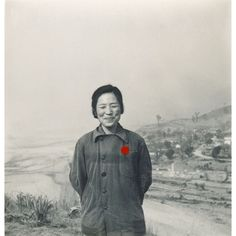 The Shanghai-based photographer Sheila Zhao has been trying to make sense of the innumerable disposed-of candid records she has been unearthing in flea markets.  http://ift.tt/2nUsqf3 @chinalostandfound#photographyofchina #landscape #photographyduo #china #中国 #cctvenglish #worldofchina #chineseculture #asia #china #snapshot #instagram #lostphoto #foundphoto #vintage #vintagephoto #familyalbum #ephemeral #blackandwhite #bw #中国 #中国人 #sepia #vernacularphotography #portrait #documentinglife…