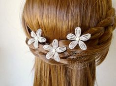 Small Star Flower Wedding Hair Pins in Sparkle White, beaded floral bridal bobby…