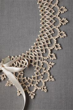 Infusion Bracelet What a lovely crown pattern this would make.What a lovely crown pattern this would make. Col Crochet, Crochet Collar, Filet Crochet, Irish Crochet, Lace Collar, Crochet Doilies, Beaded Crochet, Beaded Lace, Tatting Necklace