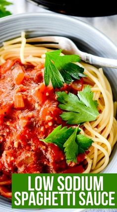 A Low Sodium Spaghetti Sauce recipe for those who have to watch their sodium intake. cup is 1 point with lean ground beef added it is 2 points per serving Recipes beef Low Sodium Spaghetti Sauce - Recipe Diaries Sodium Free Recipes, Salt Free Recipes, Healthy Meals For Two, Heart Healthy Recipes, Healthy Cooking, Low Sodium Diet, Sodium Intake, Low Sodium Meals, Low Salt Meals