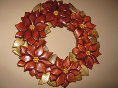 Poinsettia Wreath by Dedi-Woodworks I got place in the State Fair of Texas… Intarsia Wood, Poinsettia Wreath, Wood Crafts, Diy Wood, Wood Mosaic, Wood Carving Art, Wooden Art, Scroll Saw, Photo Craft