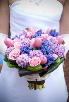 tulip wedding bouquet, blue, pink and purple. My dream bouquet! Pink Purple Wedding, Tulip Wedding, Purple Wedding Bouquets, Purple Wedding Flowers, Blue Flowers, Wedding Colors, Pink Blue, Bridal Bouquets, Pretty Flowers