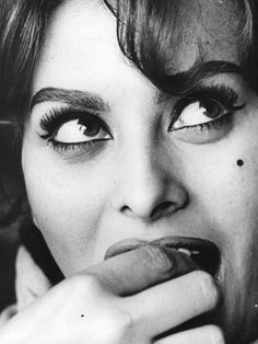 Sophia Loren - stunning eyes