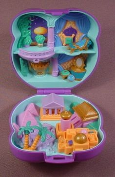 Aladdin Polly Pocket! this brings back so many memories! gahh! those were the days.