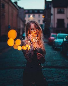 Excellent Photography Tips For Shooting Great Photos – Photography Fairy Light Photography, Neon Photography, Creative Portrait Photography, Girl Photography Poses, Tumblr Photography, Creative Portraits, Outdoor Photography, Artistic Photography, Digital Photography