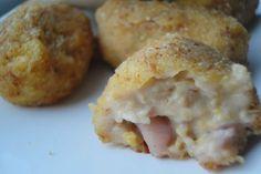 Croquetas de chipirones con alioli. Ver receta: http://www.mis-recetas.org/recetas/show/45006-croquetas-de-chipirones-con-alioli