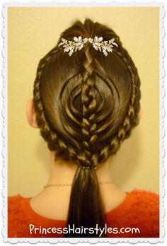 Christmas ornament hairstyle tutorial