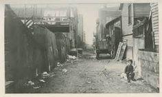 ... street scenes in chicago s immigrant neighborhoods around 1900 caption