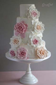 Antique rose wedding cake  #Shabby Chic Wedding ... Wedding ideas for brides & bridesmaids, grooms & groomsmen, parents & planners ... https://itunes.apple.com/us/app/the-gold-wedding-planner/id498112599?ls=1=8 … plus how to organise an entire wedding, without overspending ♥ The Gold Wedding Planner iPhone App ♥