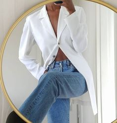 Sorry, Skinny Jeans—This Denim Trend Is Going to Be Huge Ripped Jeans Outfit, Jeans Outfit Summer, Jeans And Sneakers, Jeans Skinny, Summer Outfits, Denim Outfit, Winter Outfits, Rolled Up Jeans, Loose Jeans