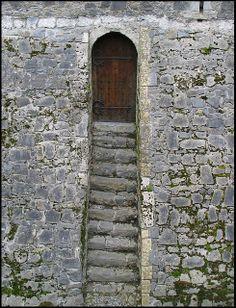 Kilkenny Castle door to the moat