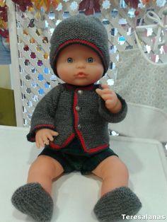 Noviembre y Diciembre son meses que dedicamos principalmente a vestir los muñecos de nuestros niños. Siempre he vestido los muñecos de mis h... Baby Born, Vintage Children, Dress Making, Doll Clothes, Barbie, Crochet Hats, Clip Art, Dolls, Knitting