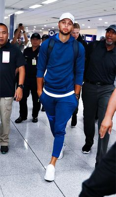 """nadiatrick: """" mythoughtsrock: """" splash-brothers: """" Steph Curry arrives in Manila for the Under Armour Asia Tour """" Blue 🔥 """" Need that fit """" Stephen Curry Wife, Stephen Curry Family, The Curry Family, Nba Stephen Curry, Stephen Curry Basketball, Basketball Funny, Basketball Pictures, Ayesha And Steph Curry, Ayesha Curry"""