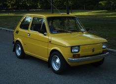1976 Fiat 126P ^ https://de.pinterest.com/jeffkerboul/fiat-polski/