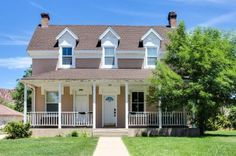 This picturesque Colonial Cedar City vacation rental for six is a great spot to thoroughly enjoy all Southern Utah has to offer, especially the annual Shakespeare Festival! Set right off 100 East in downtown Cedar City, you truly are immersed in all the action this Utah mountain town has in store. Read reviews from real guests.