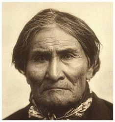 White Wolf : Rare archive photos of Geronimo you may not have seen before Native American Pictures, Native American Quotes, Native American History, American Indians, Native American Prayers, Native American Warrior, Apache Indian, Native Indian, Trail Of Tears