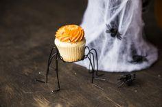 DIY Spider Cupcake Stand