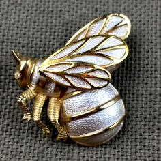 Vintage Bumble Bee Brooch Silver Gold Tones Side View Rhinestone Eye  | eBay