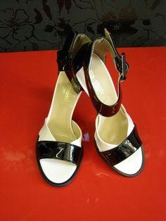 sandálky černobílé
