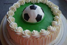 Kirsin keittiössä: Jalkapallo-kakku Cake, Desserts, Food, Tailgate Desserts, Deserts, Kuchen, Essen, Postres, Meals