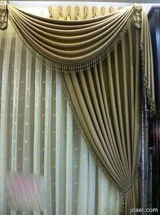 ديكورات ستائر تاج السرير وتصاميم ستاير كلاسيك ومودرن 2013 Curtains For Arched Windows, Window Drapes, Window Coverings, Window Treatments, No Sew Curtains, Home Curtains, Beaded Curtains, Curtains 2018, Drapery Designs