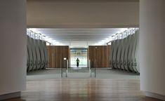 52 cubas de cemento (Château Cheval Blanc, Francia / Christian de Portzamparc) Arquitectura: 15 Bodegas emocionantes en el mundo #ArquitecturadelVino #Diseño #Viajes http://elviajero.elpais.com/elviajero/2015/02/17/album/1424172029_958737.html vía @el_pais