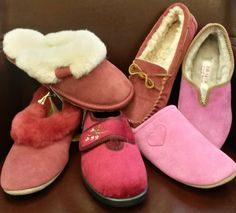 Warm feet = warm heart. Keep her toes toasty with cute pink slippers from @Luck of Louth on #Valentinesday.