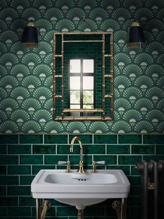 Green metro tiles with Art Deco style green wall… Glamorous bathroom inspiration. Green metro tiles with Art Deco style green wallpaper. Bathroom Inspiration, Interior Inspiration, Interior Ideas, Interior Styling, Design Inspiration, Glamorous Bathroom, Beautiful Bathrooms, Mad About The House, Estilo Art Deco