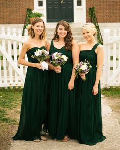Bridesmaids in emerald J.Crew dresses. OOOooooh I would look UHMazing in Green!!