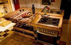 31. O pallet também pode garantir uma bela ilha para incrementar a decoração da cozinha
