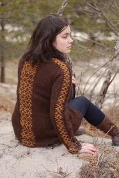 peruvia roositud sweater by fuxxxia, via Flickr