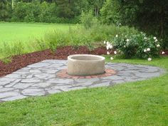 Muonamiehen mökki: Nuotiopaikka Backyard, Patio, Remodeled Campers, Outdoor Living, Outdoor Decor, Lake Life, Garden Planning, Stepping Stones, Cottage