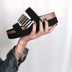 #Sandalias kariz Sixtyseven con suelas de estilo bio de 4cm. de altura.