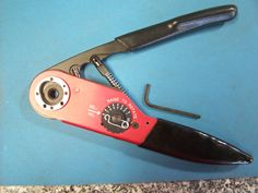 356114-1 AMP Swiss Army Knife, Hand Tools, Amp, Stuff To Buy, Swiss Army Pocket Knife