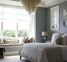 window seat in the bedroom